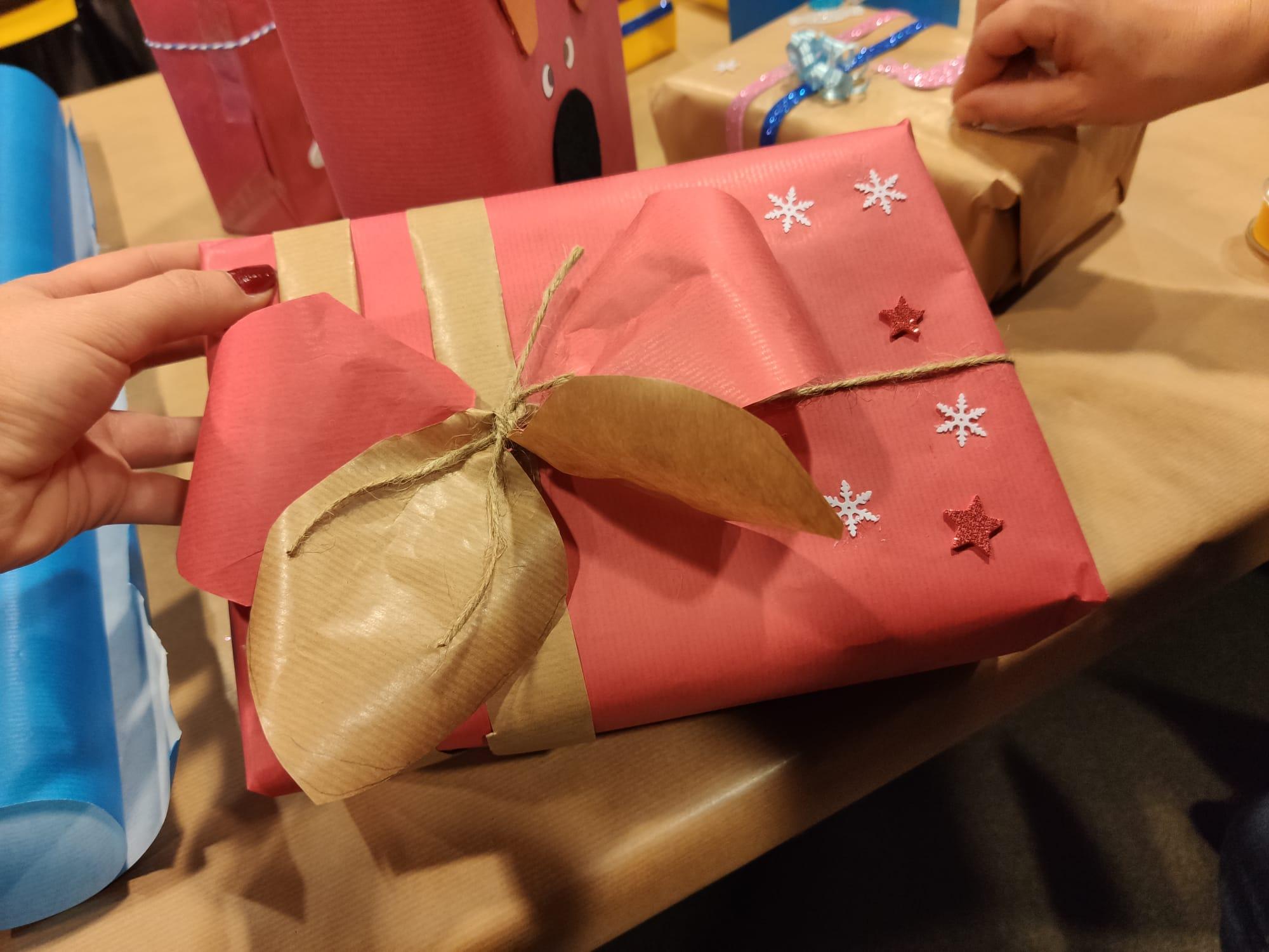 Taller d'embolicar regals